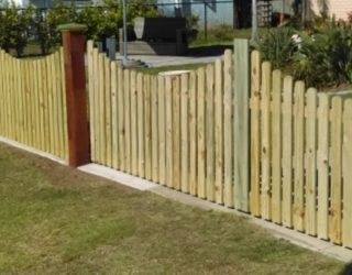 Automatic sliding timber gate
